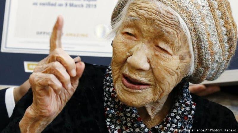 Estudio plantea que los seres humanos son capaces de vivir más allá de los 130 años