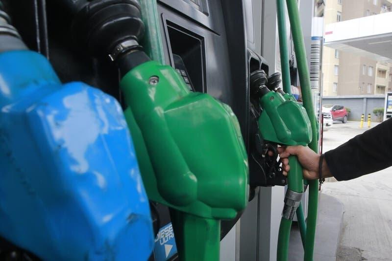 Precio de las bencinas subirán por tercera semana consecutiva