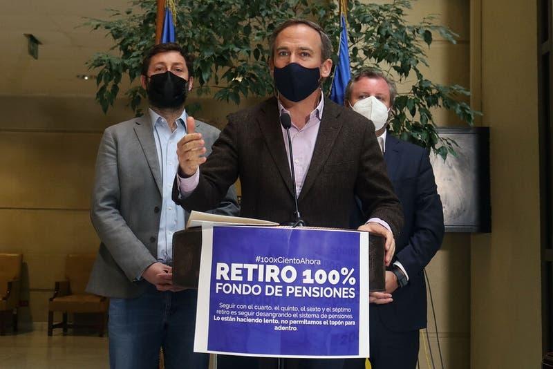 Alessandri y apoyo de Sichel a retiro total de fondos AFP: Buscamos salvar el dinero de los chilenos