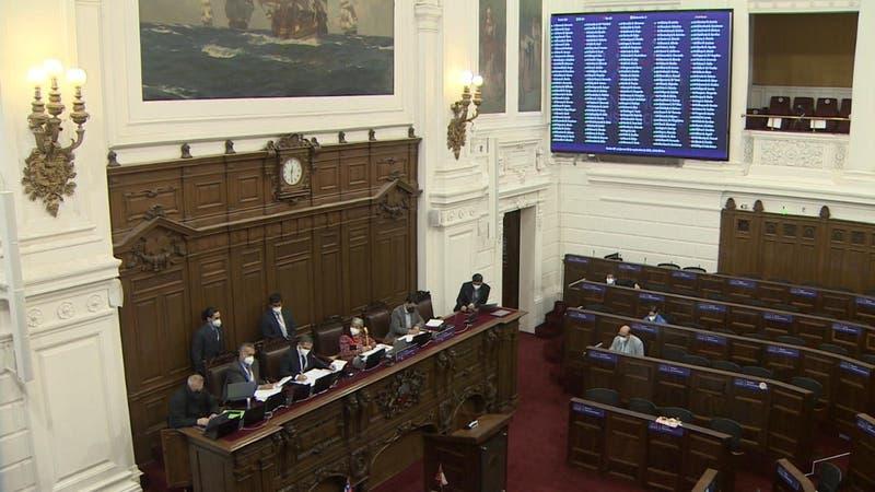 """Convención Constitucional aprueba sancionar el """"negacionismo"""" en su reglamento"""