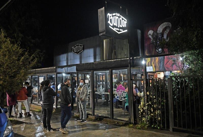 La primera noche sin toque de queda en Chile
