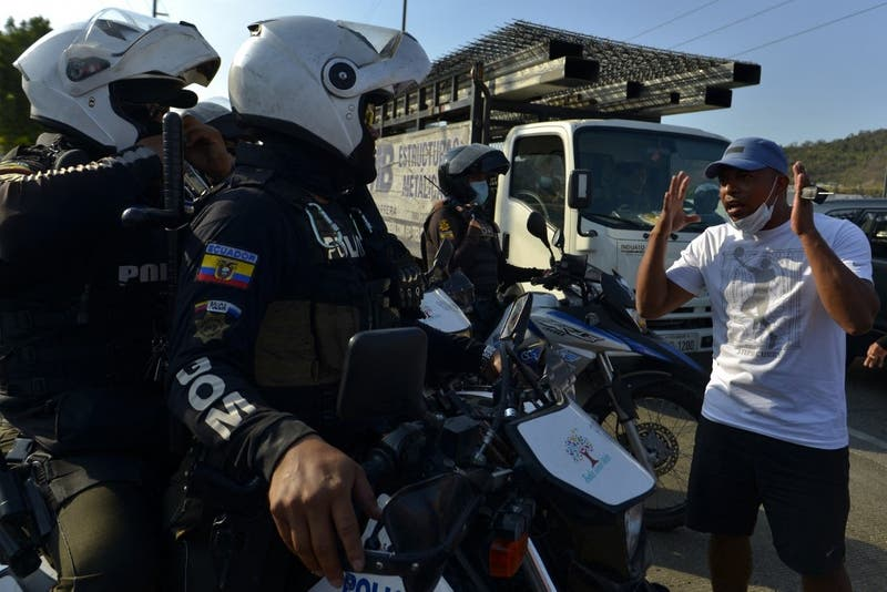 Policía de Ecuador asume control de una cárcel tras masacre de 118 presos