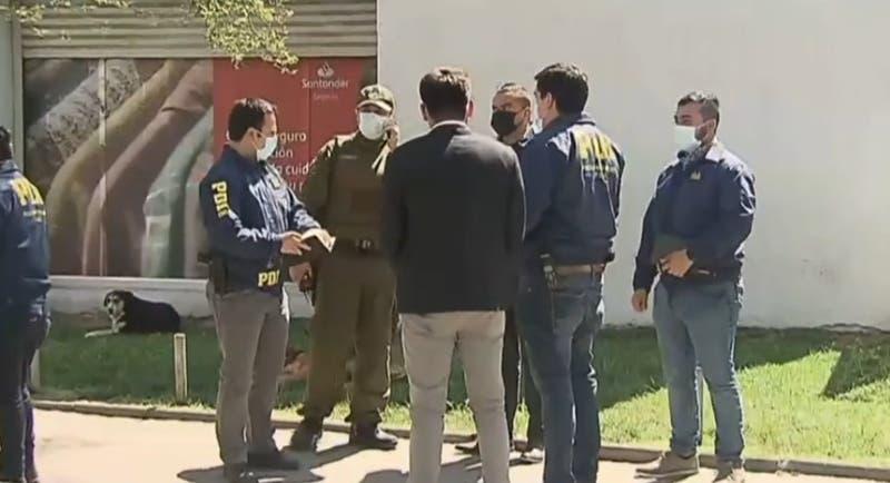 Hombre fue baleado tras resistirse a robo en Quinta Normal: lanzó bolso con dinero a un patio