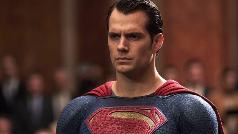 """El insólito lapsus de una conductora de TV: """"Mi héroe favorito de Marvel es Superman"""""""