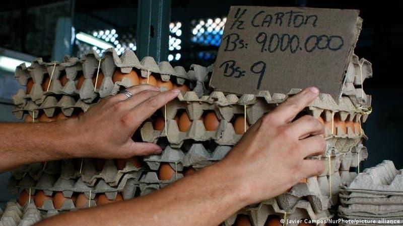 Venezuela elimina seis ceros a su moneda, disuelta por la hiperinflación