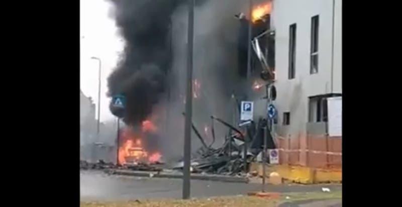 Al menos ocho muertos tras caída de una avioneta en Milán