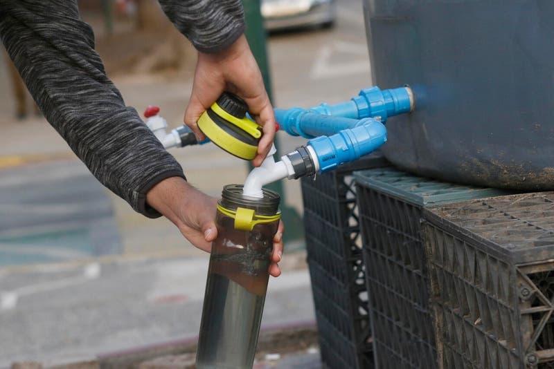 Corte de agua en 5 comunas de la RM: ¿Dónde puedo obtener abastecerme?