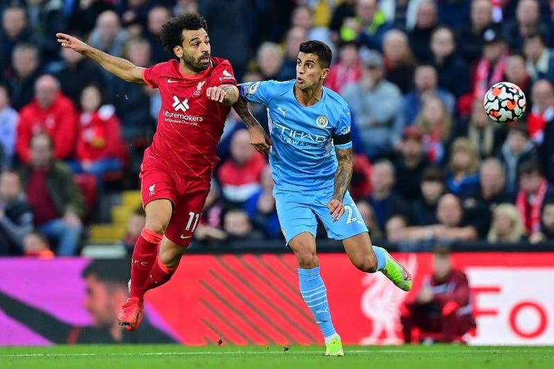 Liverpool y Manchester City empataron en gran partido que dejó al Chelsea de líder