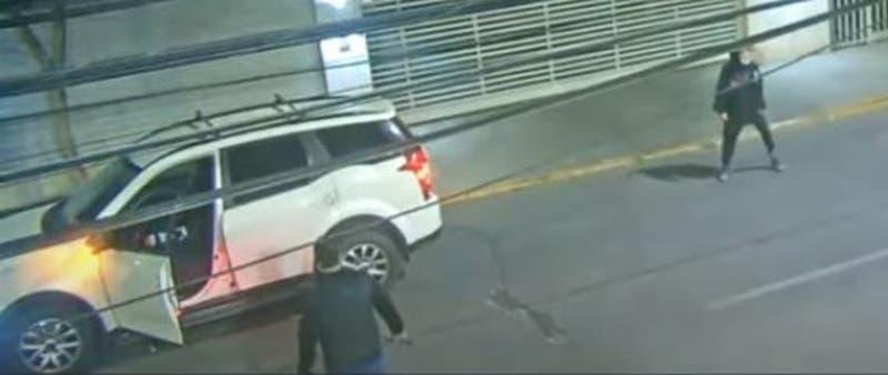[VIDEO] Grave joven de 17 años tras violenta golpiza de conductor de Uber