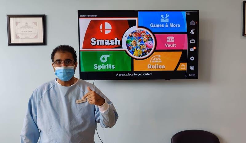 """Dentista ofrece limpieza gratuita a quienes le ganen en """"Super Smash Bros"""""""