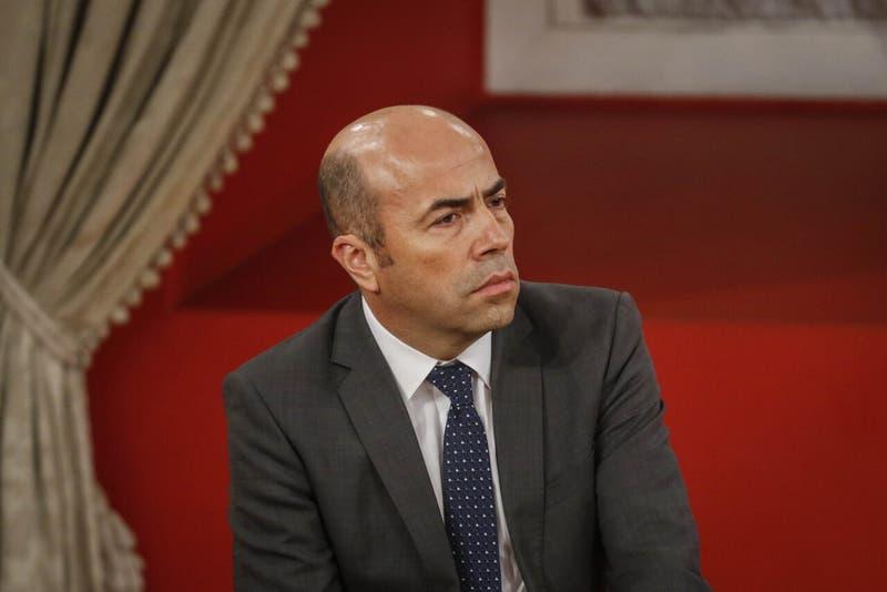 """Contralor Bermúdez reconoce que """"es imposible"""" investigar a Piñera por caso """"Pandora Papers"""""""
