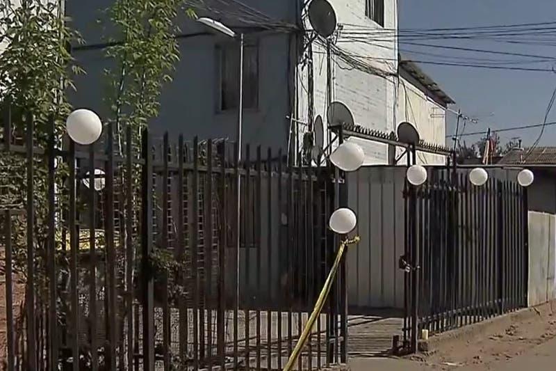 Hombre habría muerto acuchillado por su ex pareja: mujer declara que fue en defensa propia