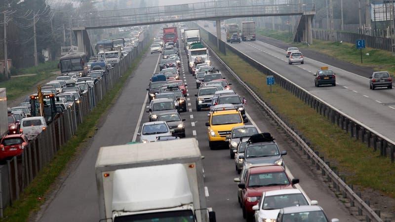 Fin de semana largo: Gobierno proyecta que más de 400 mil vehículos saldrían de Santiago