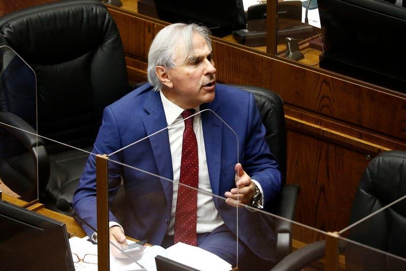 """Senador Moreira explica su proyecto para retirar 100%: """"Es inminente que las AFP se van a acabar"""""""