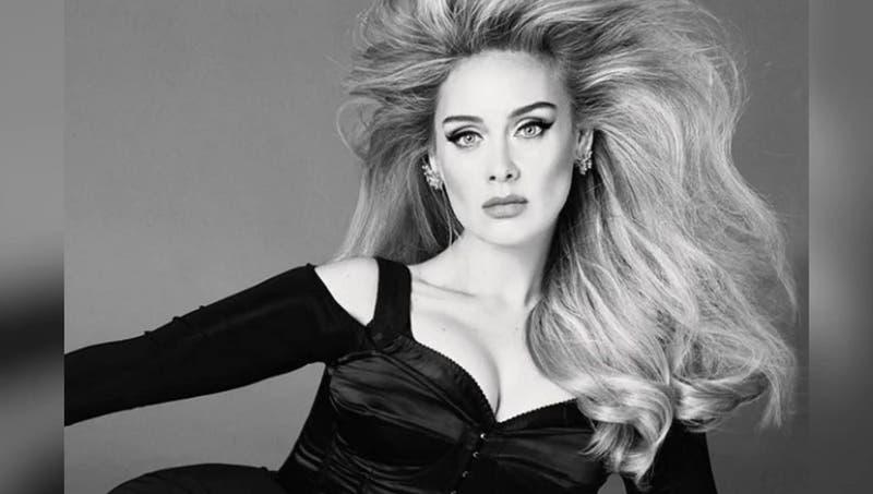 ¿Real o Photoshop? Adele protagoniza doble portada de Vogue luciendo su espectacular nueva figura