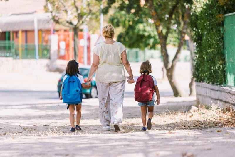 Escuela pidió a sus apoderados que dejen de ir a dejar a sus hijos en pijama