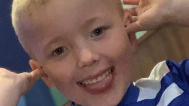Padres torturan y asesinan a su hijo de seis años en Reino Unido: Lo envenaron con sal