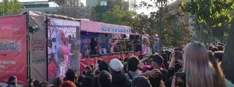 [VIDEO] Miles de personas asistieron a shows itinerantes del día de la música chilena