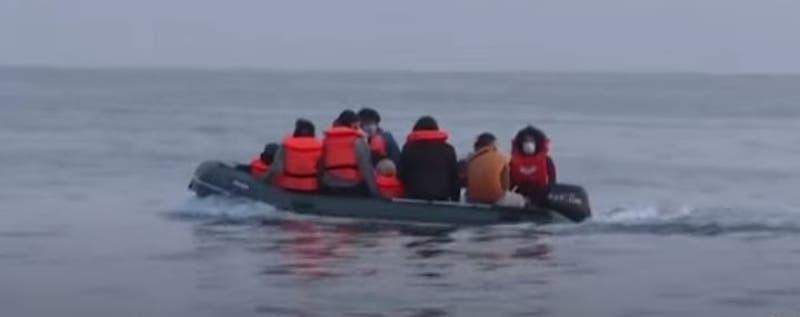 [VIDEO] Canal de La Mancha: Más de mil migrantes lo cruzan en sólo dos días