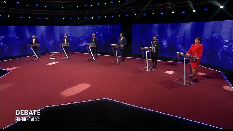 EN VIVO: Candidatos presidenciales se enfrentan en debate televisivo a 41 días de la elección