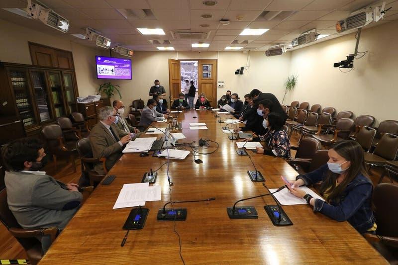 Comisión de Constitución aprueba matrimonio igualitario y avanza en la Cámara de Diputados