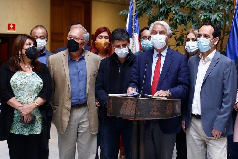 """Acusación constitucional contra Piñera la presentarán este miércoles con toda la """"oposición unida"""""""