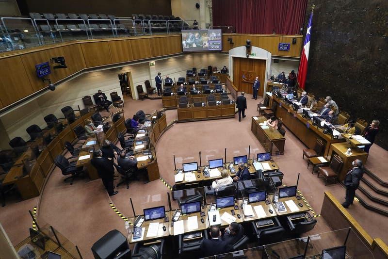 Senado aprueba ley express para salvar candidaturas al parlamento impugnadas por el Servel