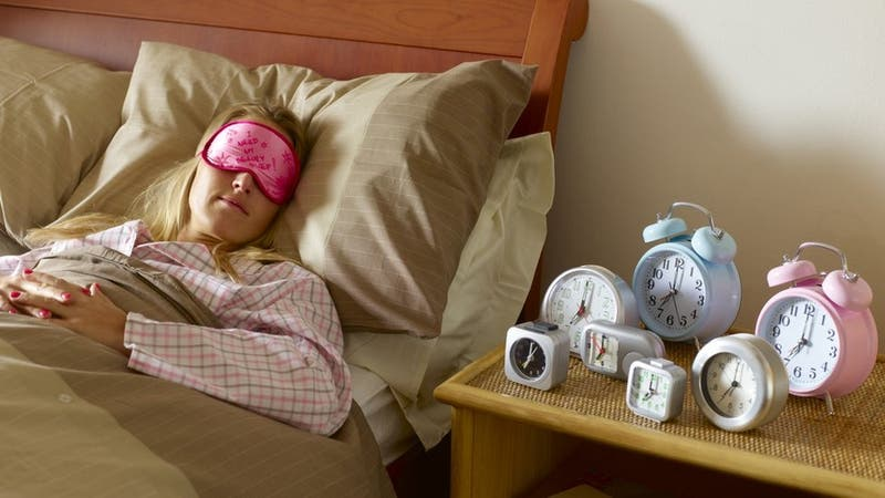Los enormes beneficios de las siestas cortas (y cómo aprender a hacerlas)