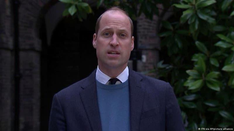 Príncipe William critica la carrera del turismo espacial y pide salvar la Tierra