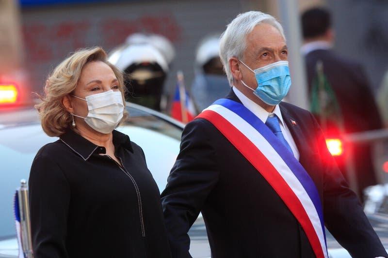 """Primera Dama y acusación constitucional contra Piñera: """"Doy fe de tu inmenso amor por Chile"""""""
