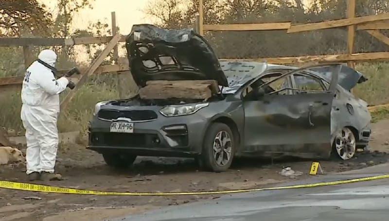 Hombre encontrado calcinado al interior de un auto fue asesinado: recibió dos disparos