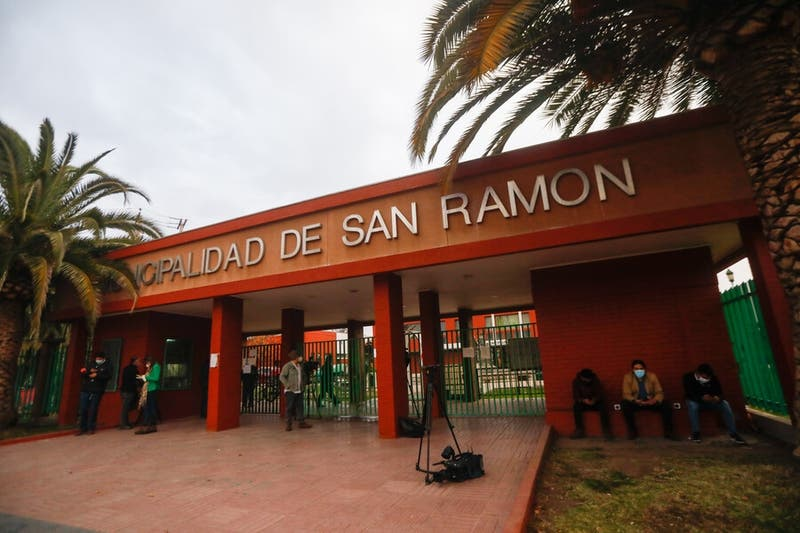 Detienen a dos funcionarios municipales de San Ramón: Serán formalizados por tráfico de drogas