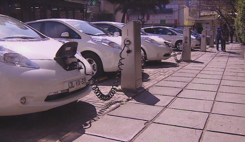 [VIDEO] Chile venderá solo autos eléctricos de aquí a 2035