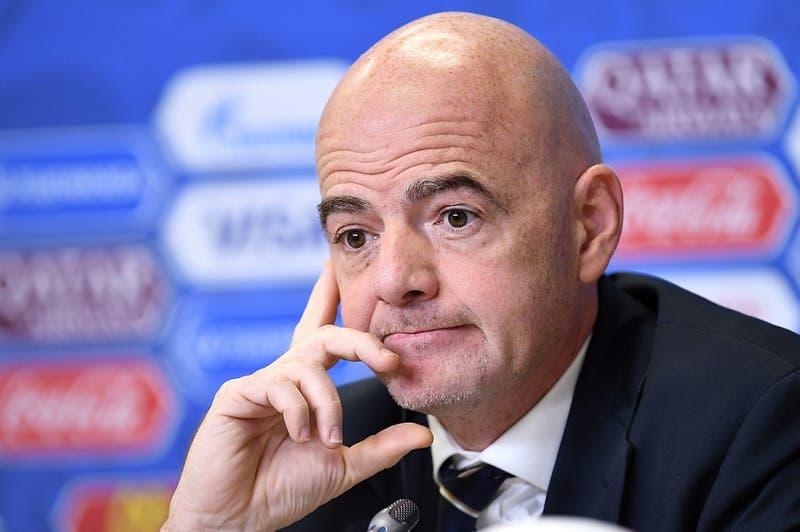 """Presidente de la FIFA plantea que Chile """"sí puede albergar una Copa Mundial"""""""