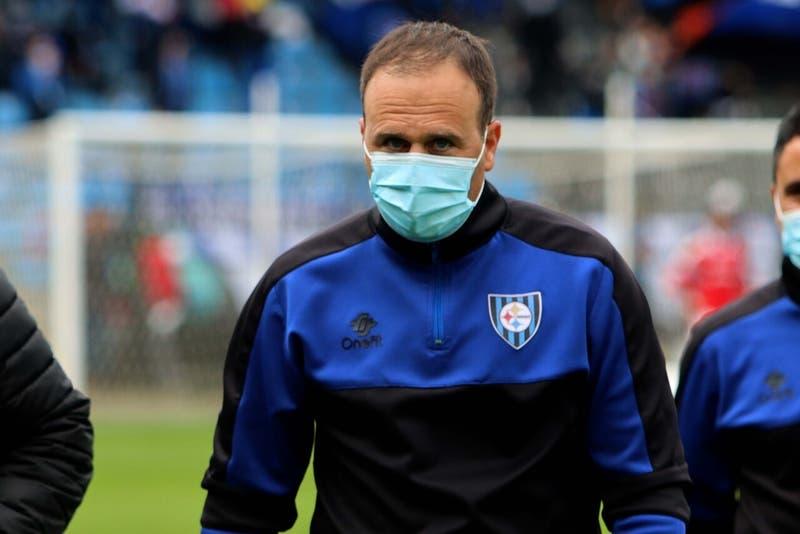 Huachipato anunció la salida del entrenador Juan José Luvera