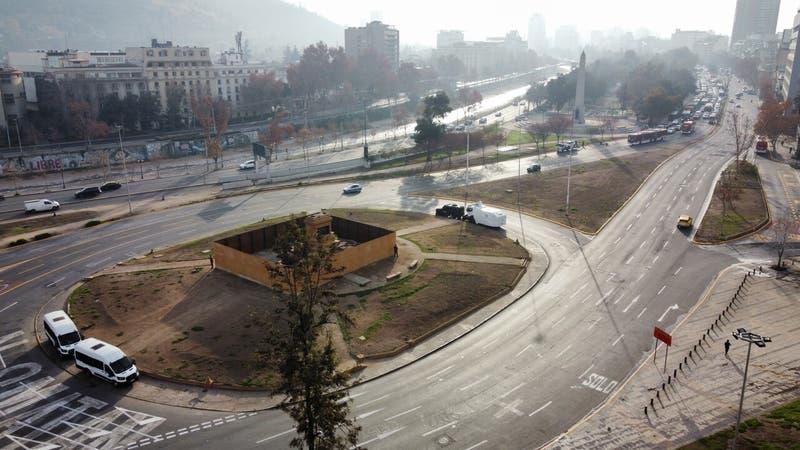 18 de octubre: Autoridades retiran mobiliario de plazas e instan cierre temprano del comercio