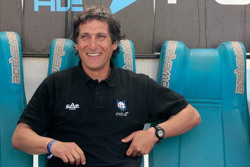 Huachipato anuncia el retorno de Mario Salas como director técnico