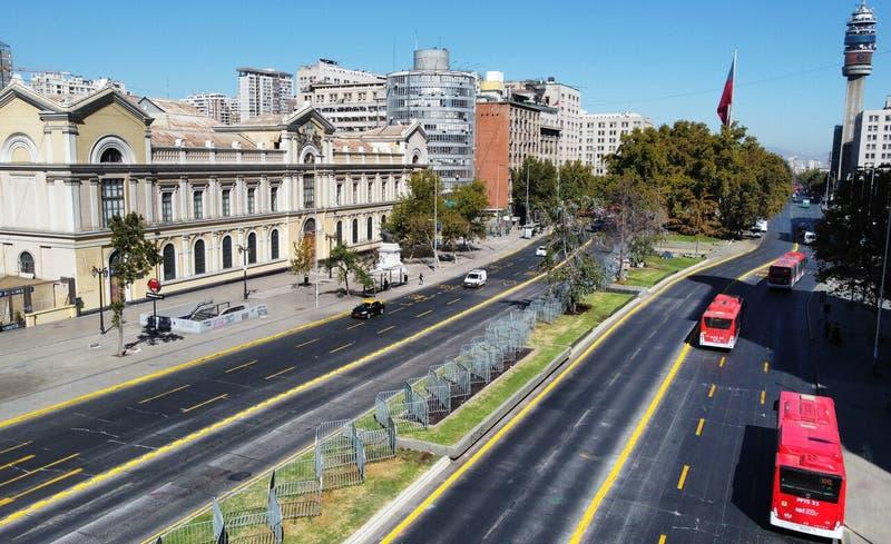 Transporte público recomienda no transitar hacia el centro de Santiago por manifestaciones