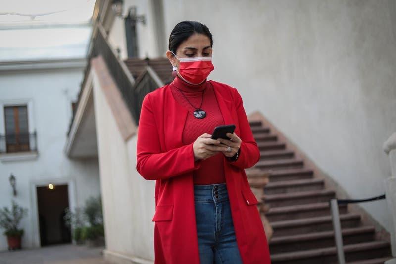 Contraloría pide informe a Rubilar tras denuncia de uso de recursos públicos en campaña de su pareja