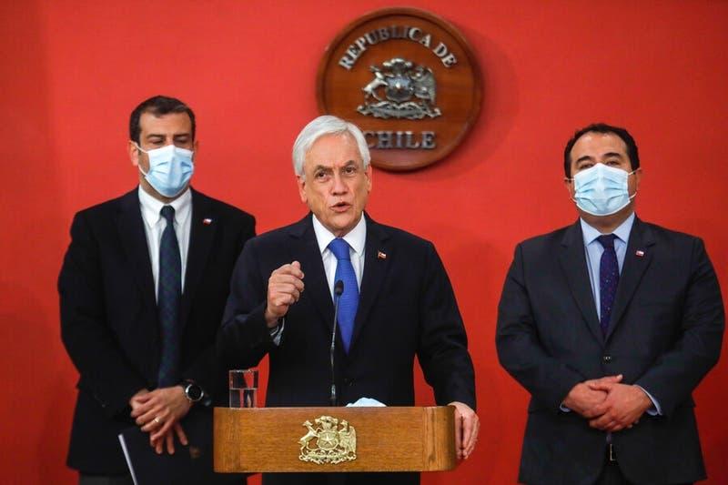 Presidente Piñera se reúne con ministros y Carabineros tras incidentes en manifestaciones