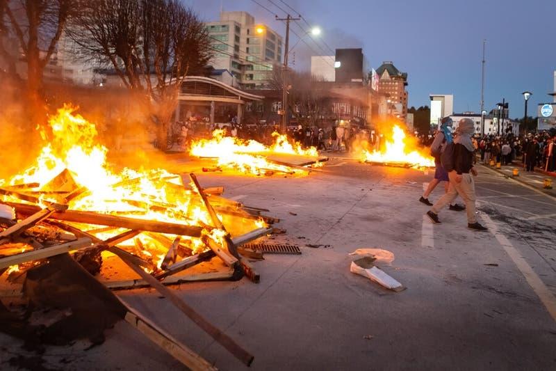 Boric, ME-O, Provoste y Sichel rechazan hechos de violencia tras las manifestaciones