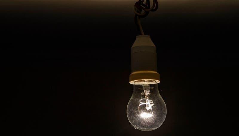 Reportan corte de luz en varios sectores de la comuna de Maipú
