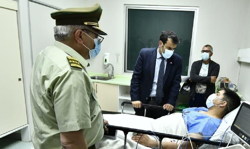 "Carabineros informa de 14 funcionarios heridos tras 18-O: ""En vez de apoyarnos, nos están atacando"""