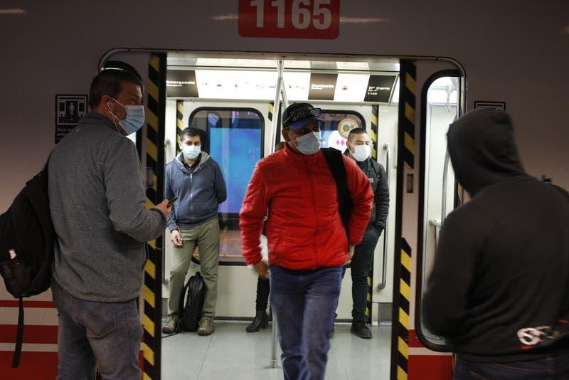 Metro funciona con normalidad tras incidentes en aniversario del 18-O