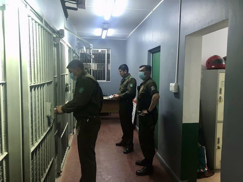 Detienen a carabinero tras muerte de hombre al interior de comisaría en San Fernando
