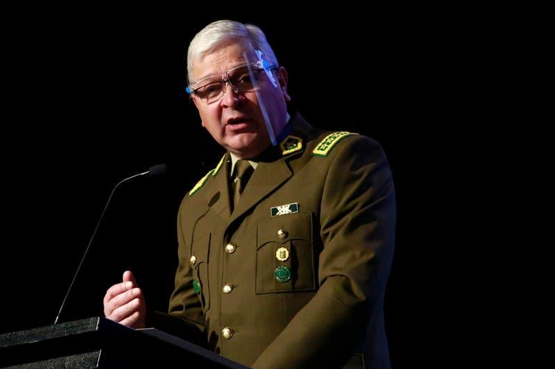 """General Yáñez niega que Carabineros esté """"corrompido"""" y pide respeto a los funcionarios"""