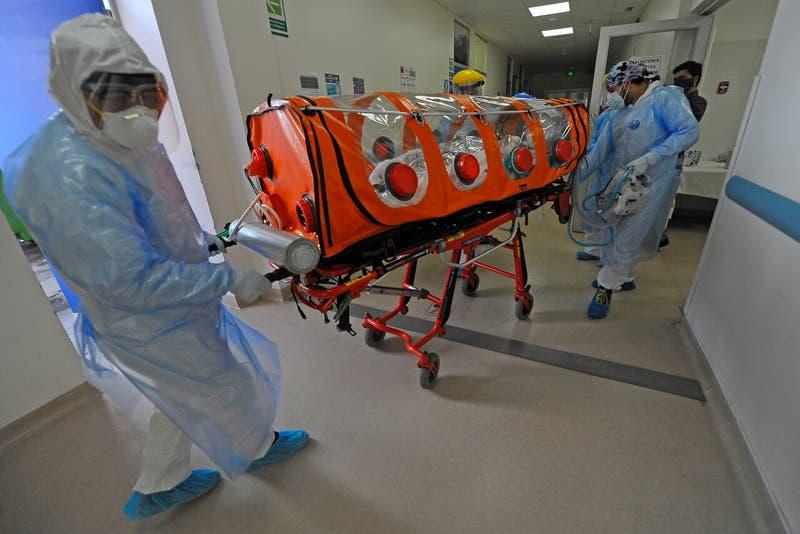 Chile registra más de mil nuevos contagios de COVID-19 y casos activos rozan los 8 mil