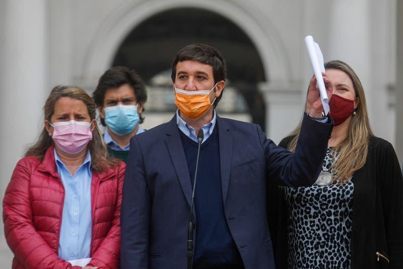 Chile Vamos pide a Provoste y Boric retirar proyecto de indulto a detenidos por 18-O