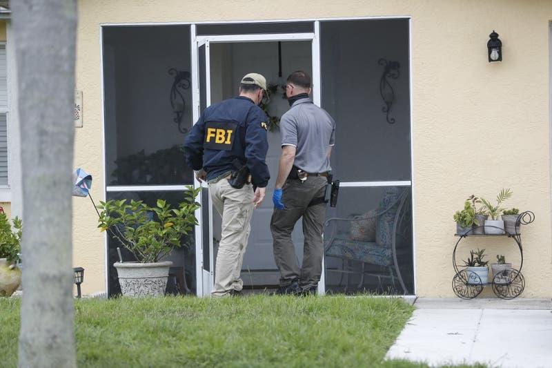 La policía halla pertenencias del desaparecido novio de una influencer asesinada en EEUU