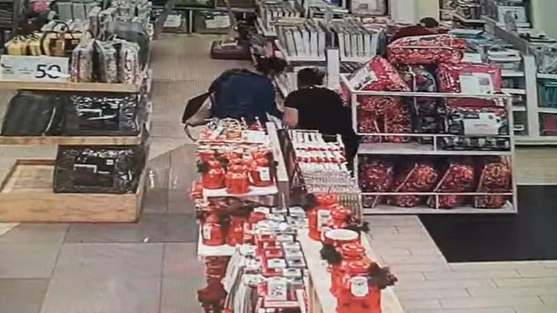 Mujer acusa presunto intento de secuestro de su hijo en multitienda de Rancagua